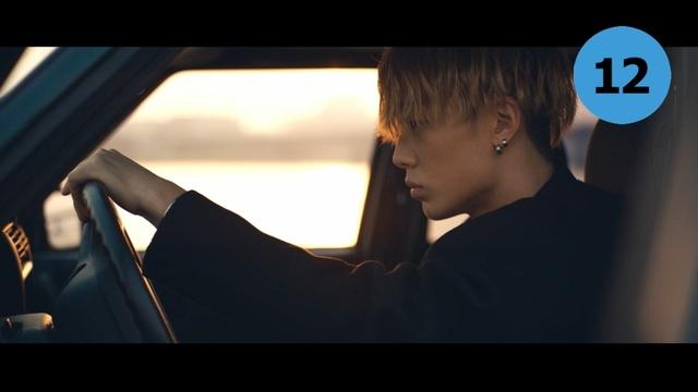 RUNAWAY 뮤직비디오 이미지