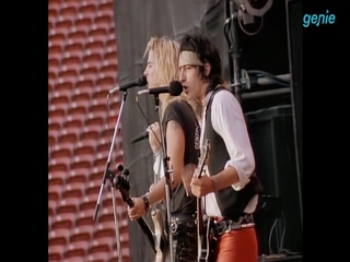 Guns N' Roses - [Paradise City] M/V Clip