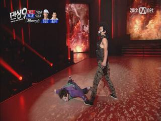 [무비매치]소름끼치는 연기력! 블루아이(김설진,홍성식) - 배트맨
