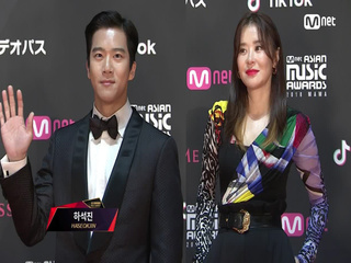 Red Carpet with Ha Seok Jin(하석진) & Choi Gang Hee(최강희)│2018 MAMA FANS' CHOICE in JAPAN