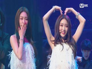 KCON 2018 LA×M COUNTDOWN|청하(CHUNG HA) - Love U