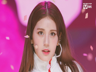 'HOT DEBUT' 차세대 솔로퀸 '전소미'의 'BIRTHDAY' 무대