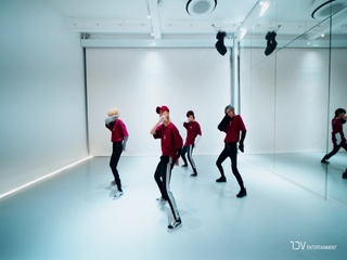 Holla (Dance Performance Ver.)