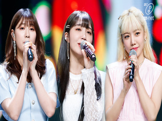 'COMEBACK' R&B핑크 '에이핑크'의 ′Overwrite′ 무대