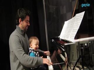 Tony Desare (토니 데세어) - [One for My Baby] 아들과 함께하는 연주 영상