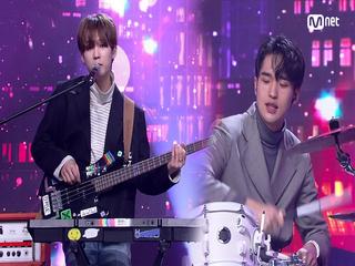 싱어송라이터 'BOYHOOD(남동현)'의 '대저택' 무대