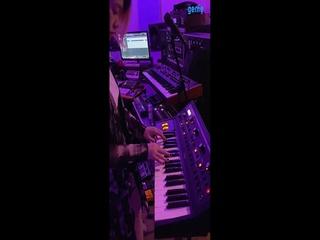 러브엑스테레오 (Love X Stereo) - [Xennials] 악기 'Moog 신디사이저' 아르페지오 녹음 영상