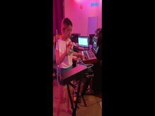 러브엑스테레오 (Love X Stereo) - [Xennials] 악기 '테레민 (Theremin)' 녹음 영상 01