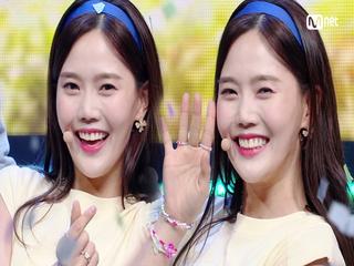 '오마이걸'의 중독적인 'Dun Dun Dance' 무대