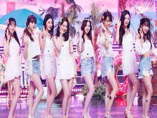 'SUMMER SPECIAL STAGE' '위키미키'의 'PARTY (원곡 - 소녀시대)' 무대