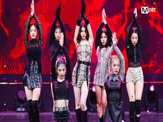 'SPECIAL STAGE' '걸스플래닛999:소녀대전 - Medusa'의 '뱀(Snake)' 무대