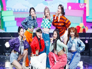 'SPECIAL STAGE' '걸스플래닛999:소녀대전 - POP! CORN'의 'Shoot!' 무대