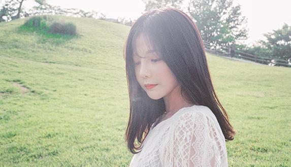 당신의 이야기를 전하는 '새봄'의 계절 소품집 [여름녘] 앨범 작업기