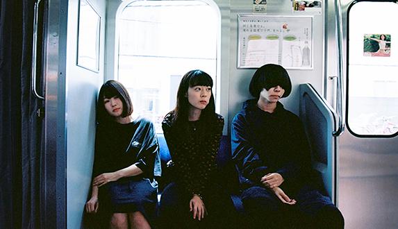 반짝이는 청춘감성, 일본 록 밴드 '히츠지분가쿠'의 EP 스토리