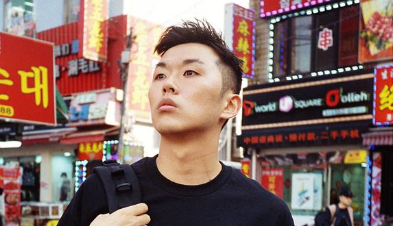 한국의 독보적인 'RAP TEE' 아티스트 김도영 A.K.A waaaavyyy